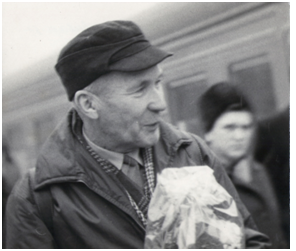 Академик А.Н. Колмогоров на вокзале