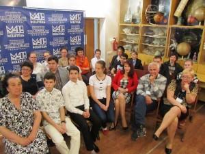 учащиеся, педагоги и директор  «МАН «Искатель»