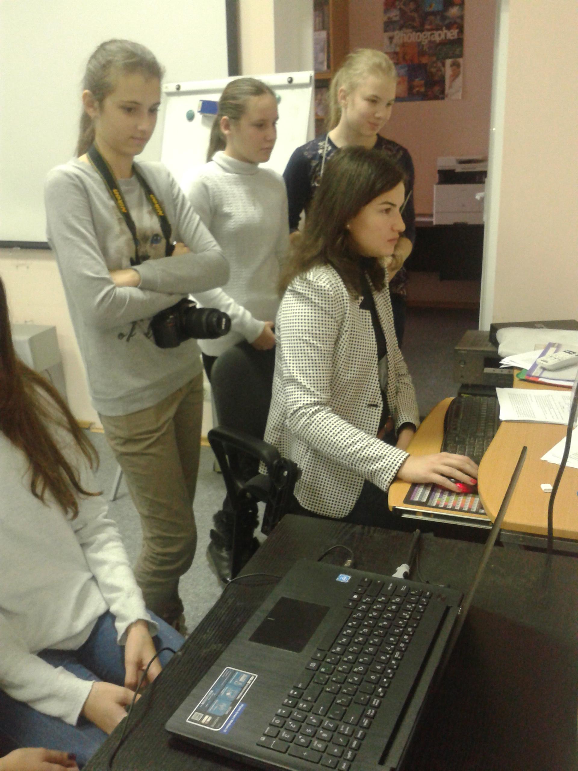 Подготовка к защите научно-исследовательских работ по фотоэкранному творчесту (Паламаренко Дарья Александровна)