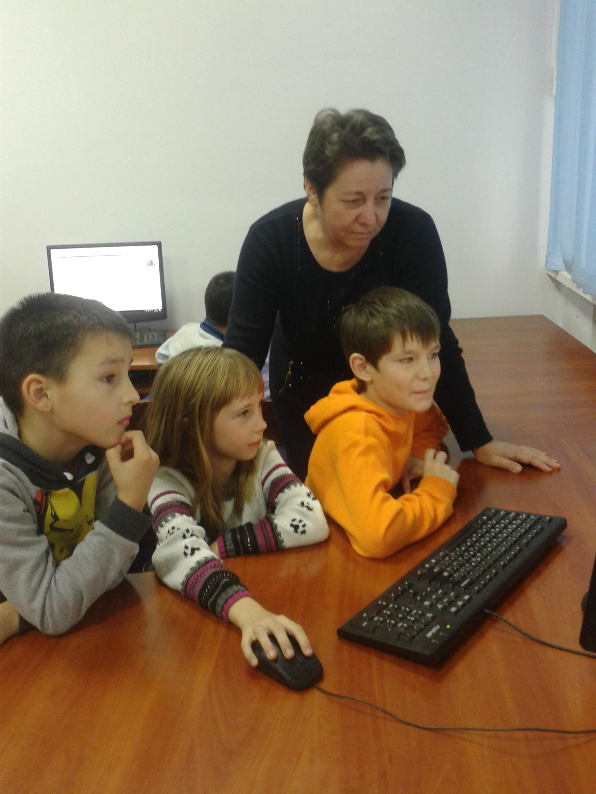 Отработка прямолинейного движения в процессе создания мультфильмов (Хайрединова Зарема Шевкетовна)